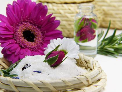 flower-3086596_1920